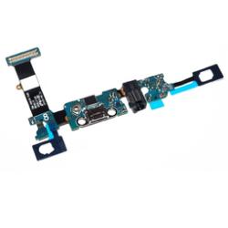 Flat con connettore micro usb, jack audio e retroilluminazione tasti touch.